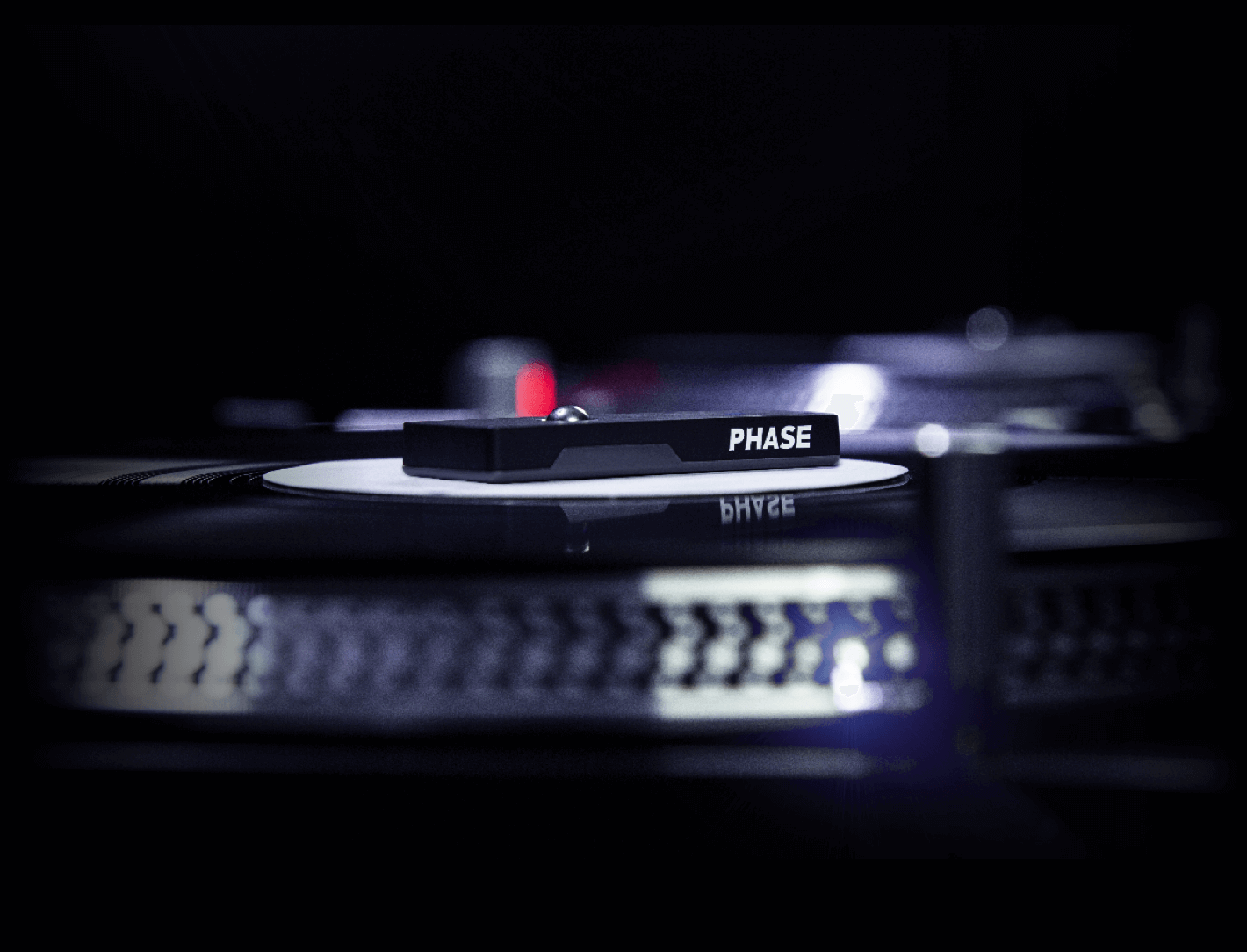 Phase: the first wireless dj controller for DVS | MWM